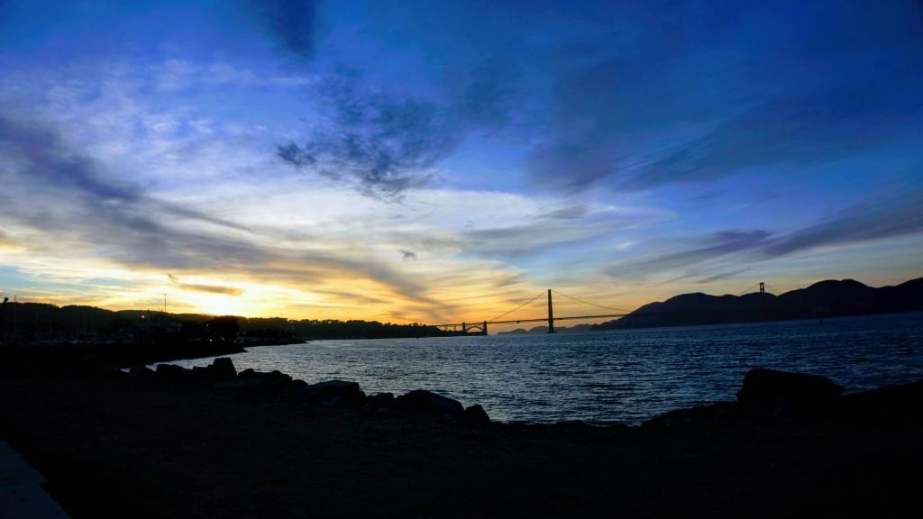 Californian sunset behind the Golden Gate Bridge